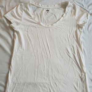 Uniqlo White T-Shirt